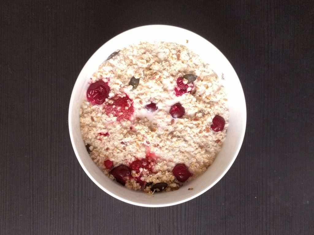 Oatmeal with Berries and Seeds