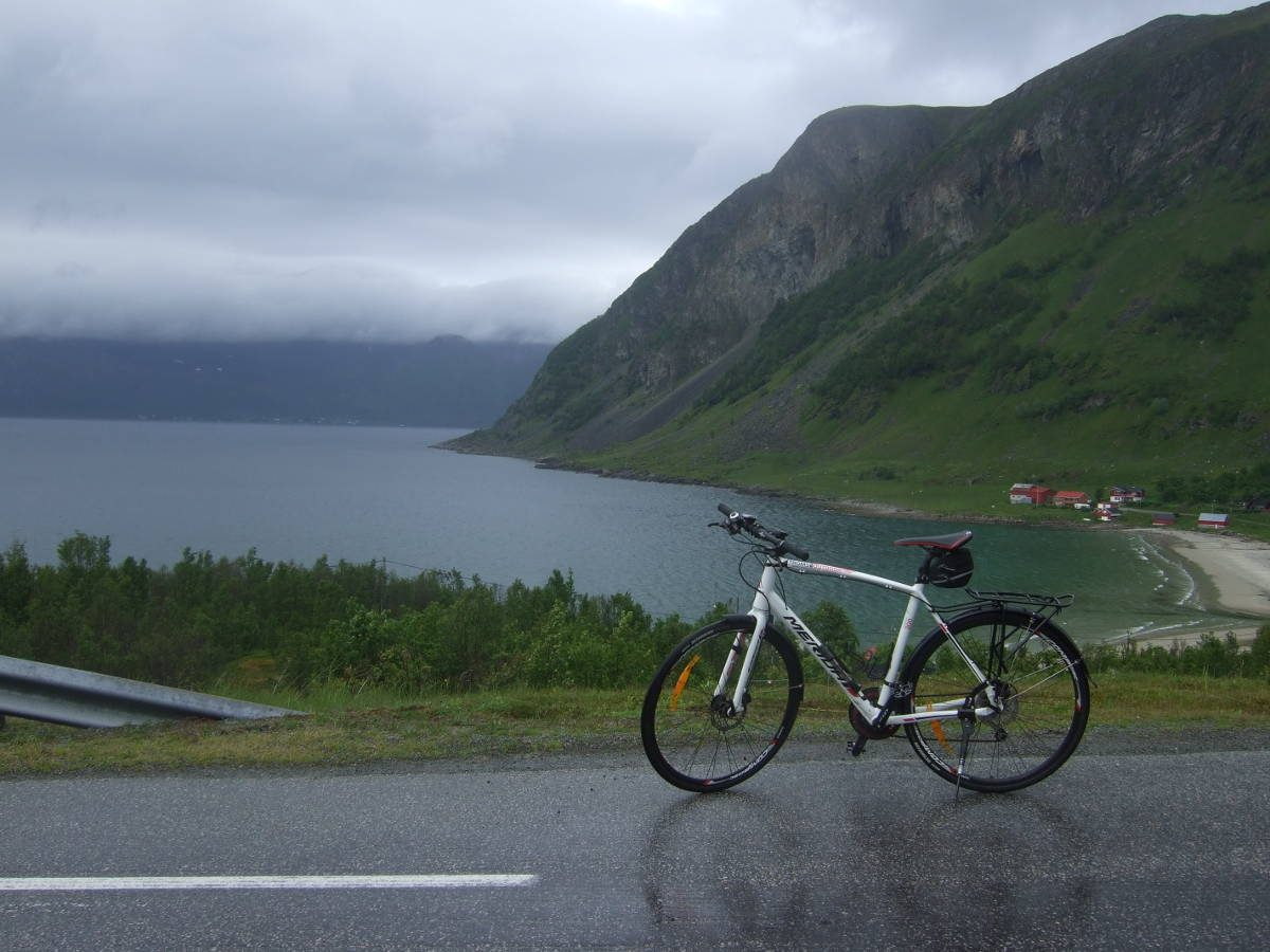 Tromso-Tromvik Cycling Tour in Norway: fjords, mountains and the sea