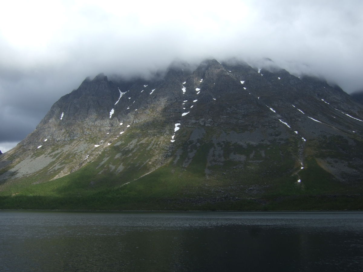 Mountains around Grotfjord